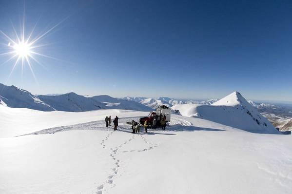 Snowboarding with Alpure Peaks Cat Skiing in New Zealand - NZs best cat ski